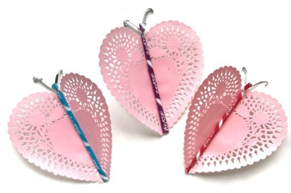 sweet butterfly 5 minute craft projects - paper doilys - heart craft ideas